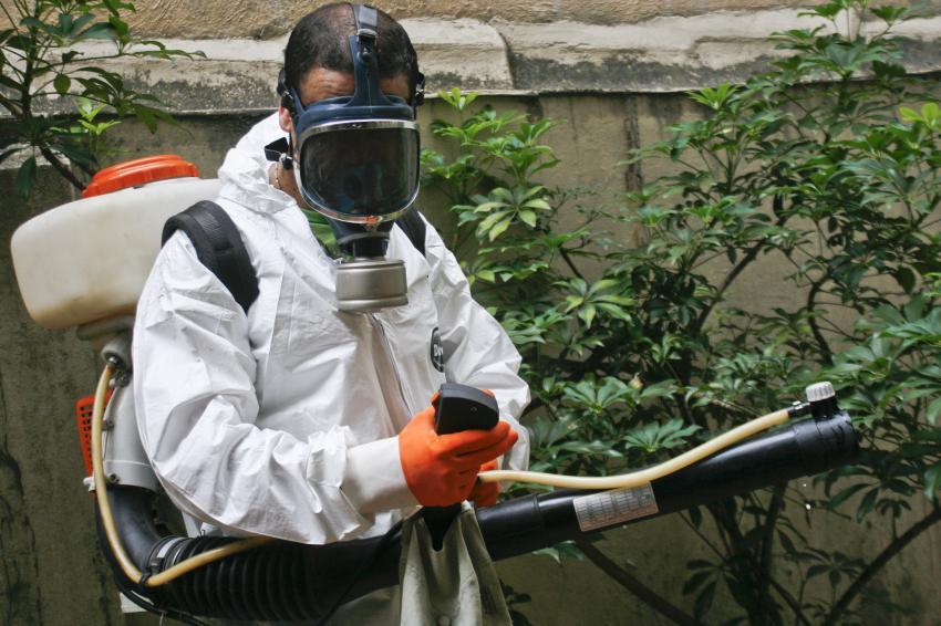 Prefeitura-de-Porto-Alegre-realiza-acao-contra-mosquitos-adultos-da-Dengue-foto-Betina-Carcuchinski