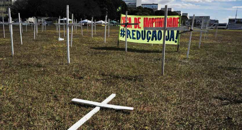 Protesto-no-dia-da-votacao-da-PEC-da-maioridade-penal_300620150028-850x557