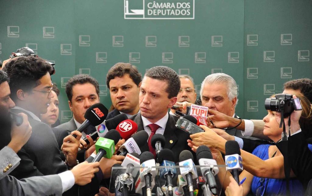 Fausto Pinato durante coletiva com a imprensa em Brasilia