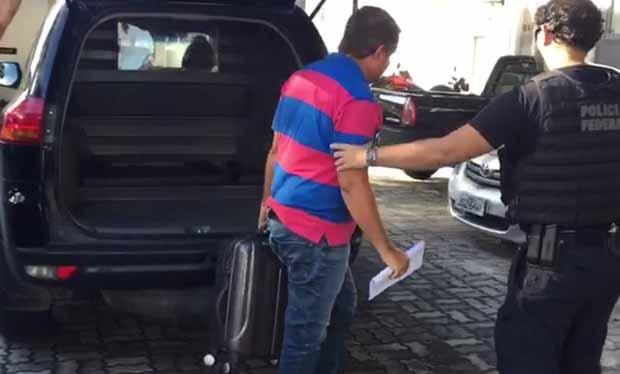 chegada_do_ex-prefeito_na_pf_em_porto_seguro
