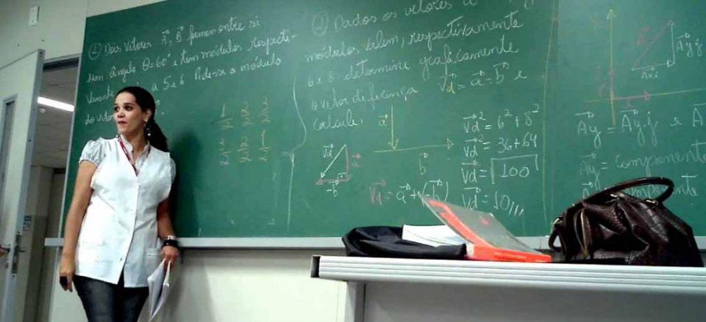 professora-1132x670